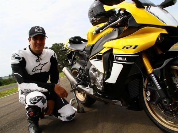 Piloto leandro mello-  campeão de motovelocidade.