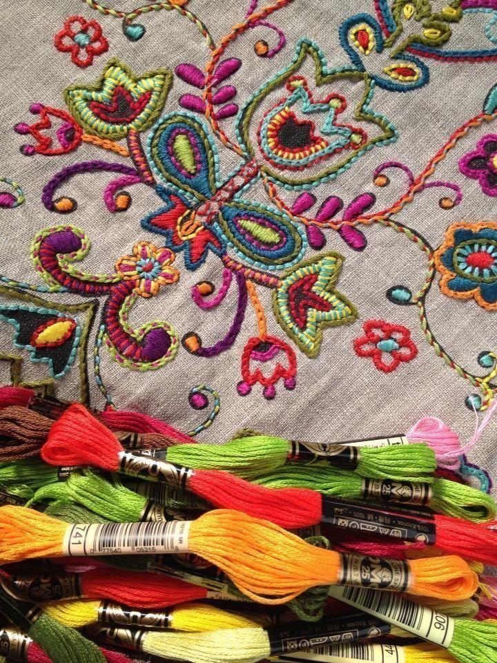 bordado-arte-antiga-ellegancy-costuras-www-elcosturas-com_-br_-8090345