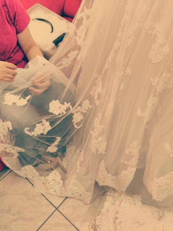 ajustando-vestido-bordado-5121741