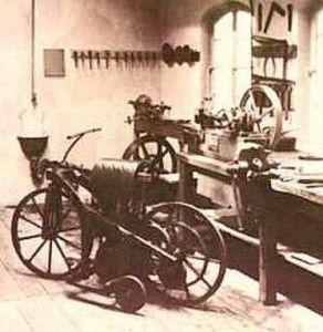 oficina-de-moto-de-1890-292x300-8439152