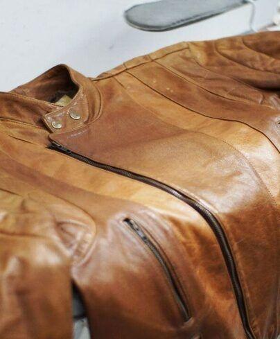 fazer-reparo-em-jaqueta-de-couro-em-sao-paulo-404x489-4321584