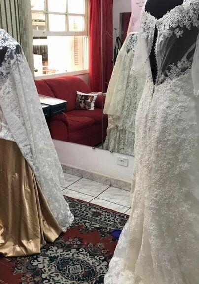 bordando-e-ajustando-os-vestidos-de-noiva-404x578-1309653