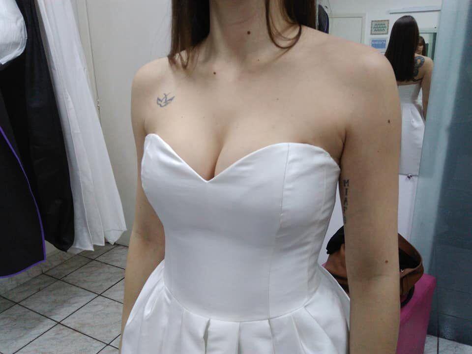 Modificação e customização em vestido de noiva