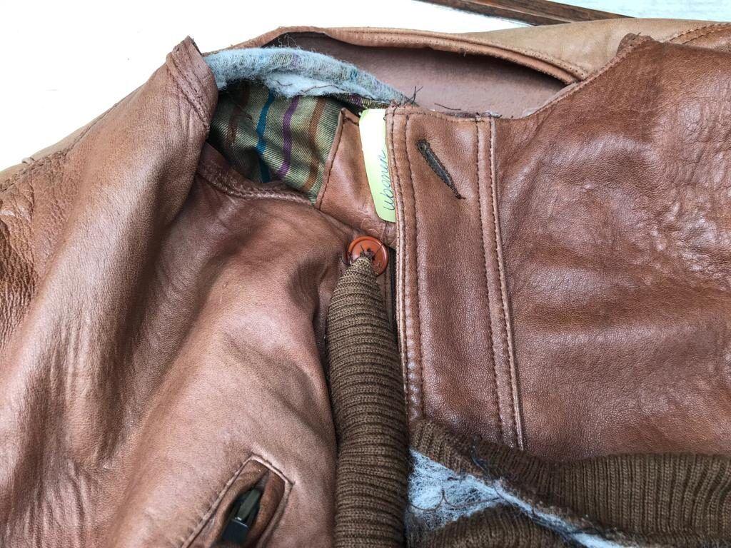 trocando-e-confeccionando-uma-nova-cola-de-couro-para-a-jaqueta-ellegancy-costuras-antes-www-elcosturas-com_-br-goladecouro-trocadagoladecouro-jaquetadecouro-ellegancycosturas-2515522