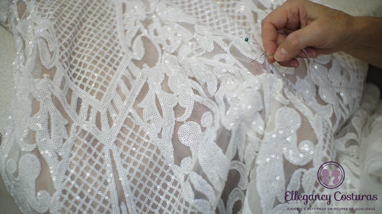 bordando-barra-de-vestido-de-noiva-9970593