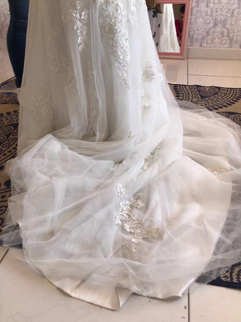 vestido-de-noiva-ajustado-2127237