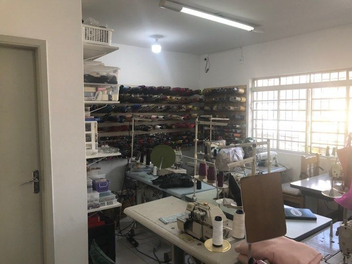 conserto-de-roupas-sala-das-costureiras-sendo-adaptada-4592185