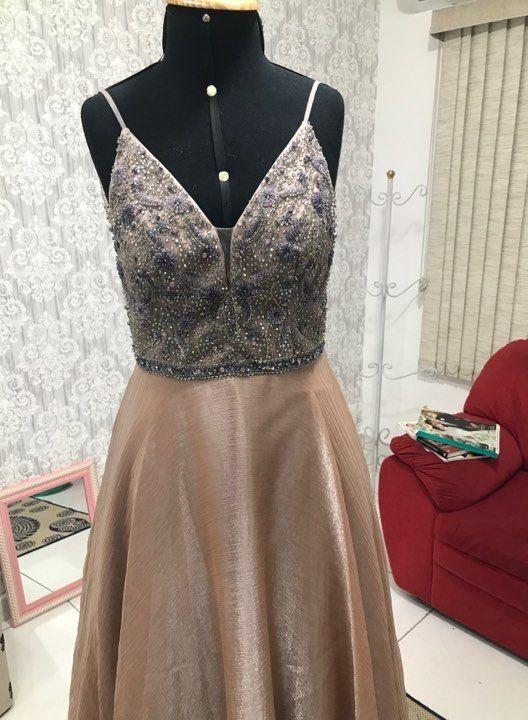 fazer-bordados-em-pedrarias-no-vestido-de-festa-roupas-ajustadas-na-costureira-1507154
