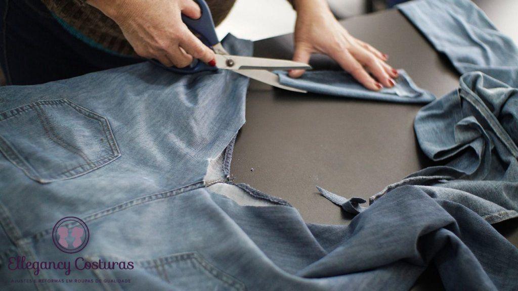 consertar calça jeans rasgada nas pernas