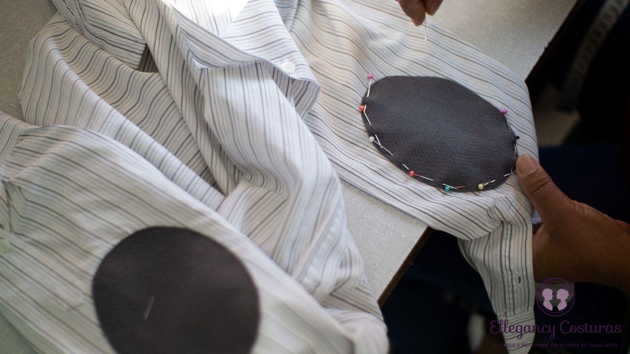 colocando-cotoveleiras-em-camisa-social-2266802