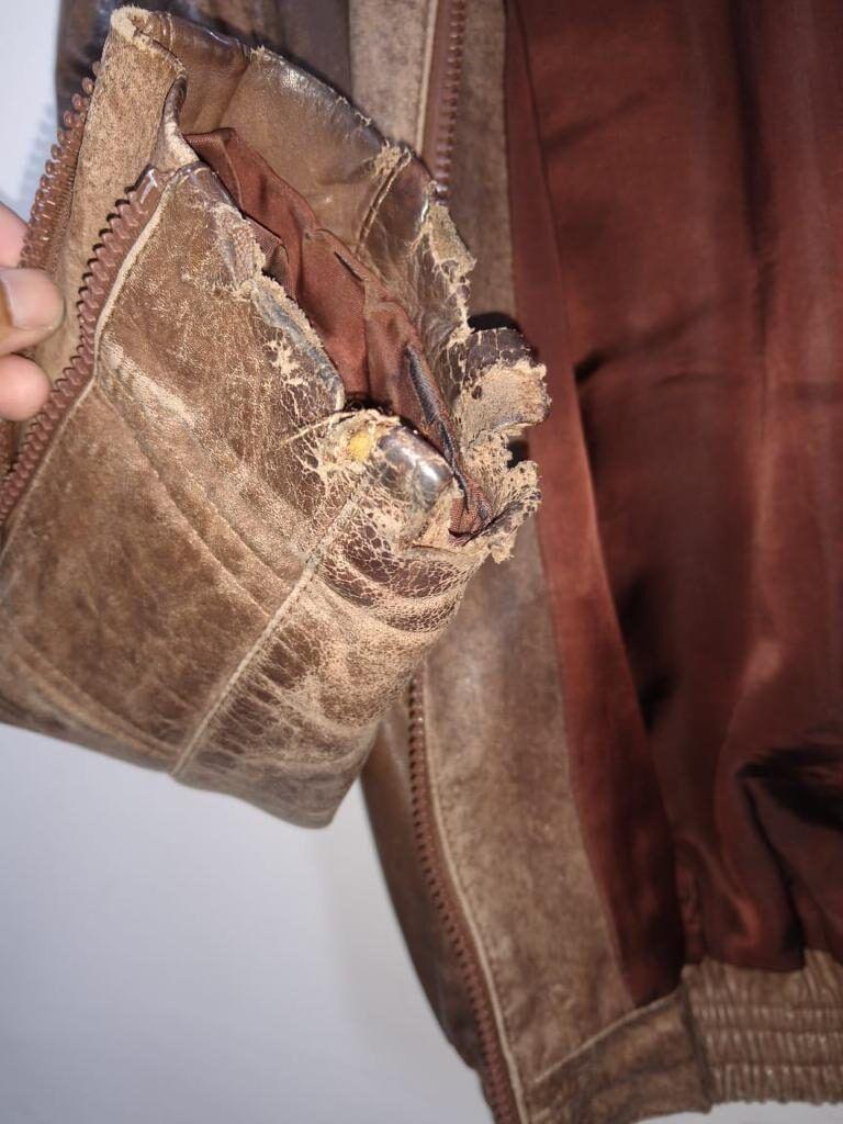 reforma-em-jaqueta-de-couro-mangas-antes-1-6332166