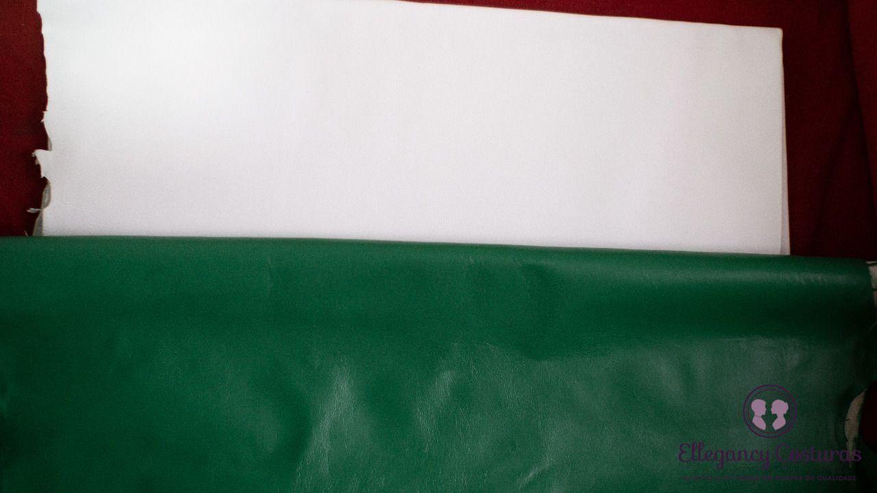 couro-branco-para-ser-pintado-de-verde-para-a-saia-de-couro-3297698