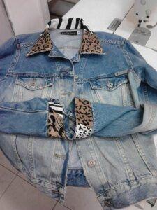 customizar-jaqueta-jeans-com-tecido-de-oncinha-225x300-9124955