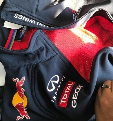 jaqueta-red-bull-original-390x418-1478998