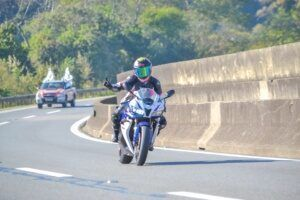 mulheres-motociclistas-karina-novaes-2-300x200-5077661