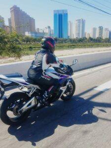 A síndrome do super herói motociclista