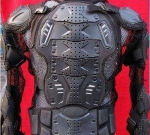 Macacão de motociclista é igual armadura