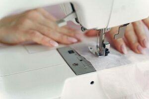 conserto-de-roupas-para-suas-pecas-300x200-8303887