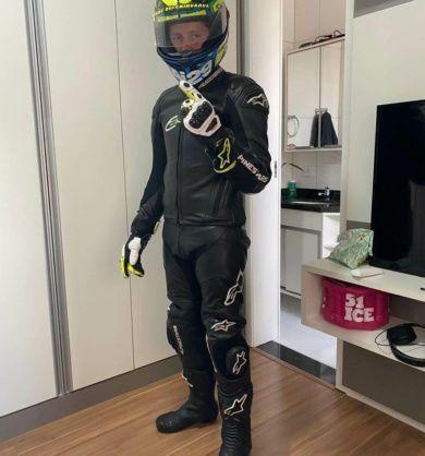 reformar-macacao-de-motociclista-alpinestars-390x418-5445081