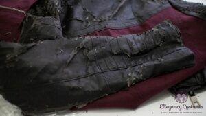 Jaqueta de couro legítimo descasca?