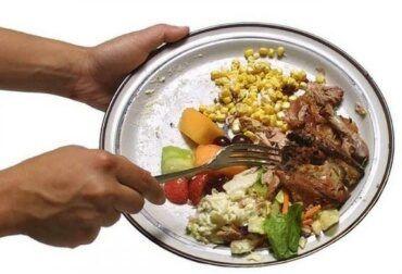 comida-ruim-nunca-mais-pedirei-370x252-5516244