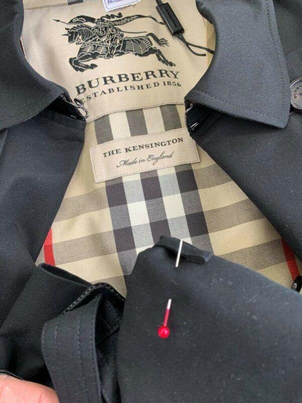 Casaco burberry ajuste de punho.
