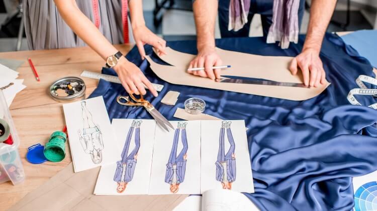 Customização de roupas em geral