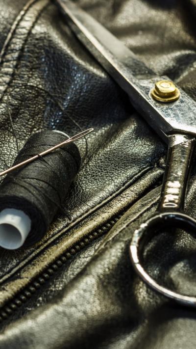 conserto de roupa em couro