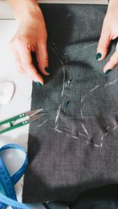 costureira para rasgo em calça jeans